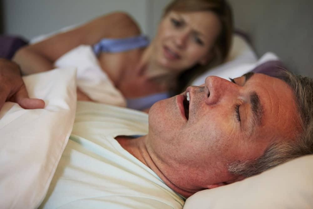 Mand der snorker til stor frustration for hans kone